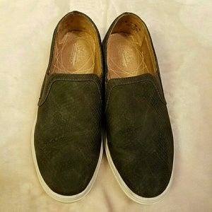 Life Stride slip on sneakers  size 7